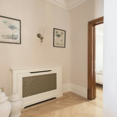 Апартаменты The Luxe Whitehall Duplex Apartment удобства в номере