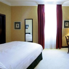 Отель Kefalari Suites сейф в номере