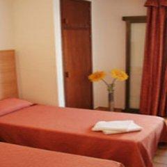 Отель Hostal Montaña Испания, Сан-Антони-де-Портмань - отзывы, цены и фото номеров - забронировать отель Hostal Montaña онлайн комната для гостей фото 3