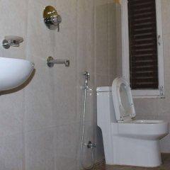 Отель Kathmandu CityHill Studio Apartment Непал, Катманду - отзывы, цены и фото номеров - забронировать отель Kathmandu CityHill Studio Apartment онлайн ванная