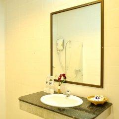 Отель Phuket Siray Hut Resort Таиланд, Пхукет - отзывы, цены и фото номеров - забронировать отель Phuket Siray Hut Resort онлайн ванная