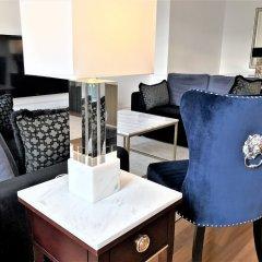 Отель Luxury Apartments MONDRIAN Market Square Польша, Варшава - отзывы, цены и фото номеров - забронировать отель Luxury Apartments MONDRIAN Market Square онлайн гостиничный бар