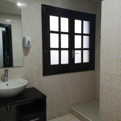 Отель Hostal Julian Brunete Брунете ванная