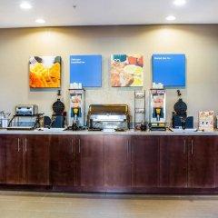 Отель Rodeway Inn & Suites Niagara Falls США, Ниагара-Фолс - отзывы, цены и фото номеров - забронировать отель Rodeway Inn & Suites Niagara Falls онлайн питание фото 3