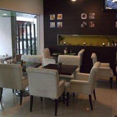 Отель Darjelling Boutique Бангкок гостиничный бар