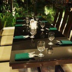 Отель The Ritz Hotel at Garden Oases Филиппины, Давао - отзывы, цены и фото номеров - забронировать отель The Ritz Hotel at Garden Oases онлайн питание