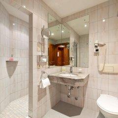 Отель Achat Plaza Zum Hirschen Зальцбург ванная