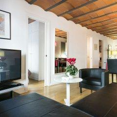 Отель Aspasios Las Ramblas Apartments Испания, Барселона - отзывы, цены и фото номеров - забронировать отель Aspasios Las Ramblas Apartments онлайн комната для гостей