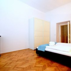 Апартаменты Vienna Residence Quiet Apartment With Space for up to 6 People комната для гостей фото 2