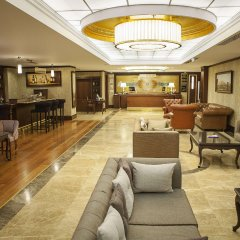 Bilek Istanbul Hotel Турция, Стамбул - 1 отзыв об отеле, цены и фото номеров - забронировать отель Bilek Istanbul Hotel онлайн гостиничный бар