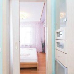 Апартаменты LUXKV Apartment on Bibliotechnaya сейф в номере