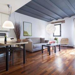 Апартаменты Inside Barcelona Apartments Esparteria комната для гостей фото 3