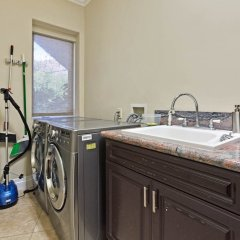 Отель Villa Robmar США, Лос-Анджелес - отзывы, цены и фото номеров - забронировать отель Villa Robmar онлайн ванная