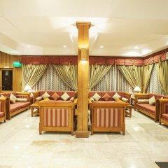 Отель Aye Thar Yar Golf Resort гостиничный бар