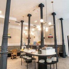 Отель Soho Boutique Opera & Spa гостиничный бар