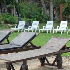 Отель Baan Laem Noi Villas бассейн