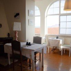 Отель Alfama 3B - Balby's Bed&Breakfast Португалия, Лиссабон - отзывы, цены и фото номеров - забронировать отель Alfama 3B - Balby's Bed&Breakfast онлайн питание фото 2