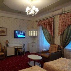 Гостиница Астрал (комплекс А) в Тихвине отзывы, цены и фото номеров - забронировать гостиницу Астрал (комплекс А) онлайн Тихвин комната для гостей фото 5