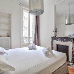 Отель Guest Trotter - Saint Philippe du Roule Франция, Париж - отзывы, цены и фото номеров - забронировать отель Guest Trotter - Saint Philippe du Roule онлайн комната для гостей фото 5