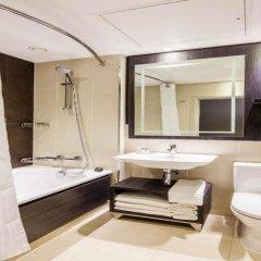 Отель Doubletree By Hilton Edinburgh City Centre Эдинбург ванная