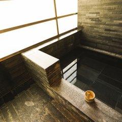 Отель Four Seasons Hotel Tokyo at Marunouchi Япония, Токио - отзывы, цены и фото номеров - забронировать отель Four Seasons Hotel Tokyo at Marunouchi онлайн бассейн