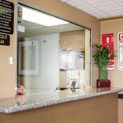 Отель Econo Lodge Columbus интерьер отеля фото 2