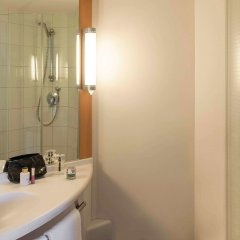 Отель Ibis Amsterdam Centre Амстердам ванная