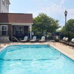 Отель TownePlace Suites Columbus Worthington США, Колумбус - отзывы, цены и фото номеров - забронировать отель TownePlace Suites Columbus Worthington онлайн бассейн фото 2