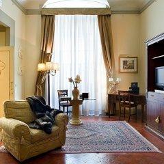 Отель All-Suites Palazzo Magnani Feroni Италия, Флоренция - 1 отзыв об отеле, цены и фото номеров - забронировать отель All-Suites Palazzo Magnani Feroni онлайн комната для гостей фото 4
