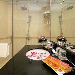 Отель Hanoi Golden Charm Hotel Вьетнам, Ханой - отзывы, цены и фото номеров - забронировать отель Hanoi Golden Charm Hotel онлайн ванная