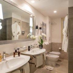 Отель Ludovisi Palace Hotel Италия, Рим - 8 отзывов об отеле, цены и фото номеров - забронировать отель Ludovisi Palace Hotel онлайн ванная фото 2