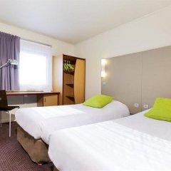 Отель Campanile Paris Est - Porte de Bagnolet Франция, Баньоле - 9 отзывов об отеле, цены и фото номеров - забронировать отель Campanile Paris Est - Porte de Bagnolet онлайн комната для гостей фото 4