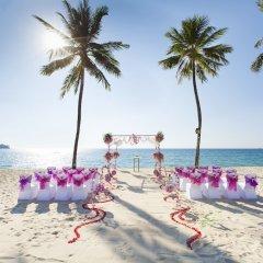 Отель Outrigger Laguna Phuket Beach Resort Таиланд, Пхукет - 8 отзывов об отеле, цены и фото номеров - забронировать отель Outrigger Laguna Phuket Beach Resort онлайн фото 8