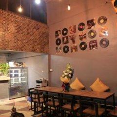 Отель Midsummer Night Hostel Таиланд, Бангкок - отзывы, цены и фото номеров - забронировать отель Midsummer Night Hostel онлайн питание фото 3
