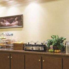 Отель La Quinta Inn & Suites Covington питание фото 3