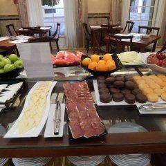 Отель Maciá Alfaros питание фото 3