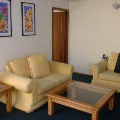 Отель Suites Diez- Eugenio Sue Мехико комната для гостей фото 3