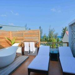 Отель Coconut Tree Hulhuvilla Beach Мале бассейн