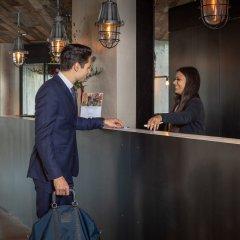 Отель Urban Lodge Hotel Нидерланды, Амстердам - отзывы, цены и фото номеров - забронировать отель Urban Lodge Hotel онлайн интерьер отеля фото 3