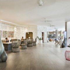 Отель La Pirogue A Sun Resort интерьер отеля фото 2
