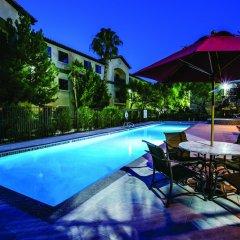 Отель Tuscany Suites & Casino бассейн фото 3