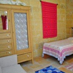 Отель Dar Ghax-Xemx Farmhouse Мальта, Виктория - отзывы, цены и фото номеров - забронировать отель Dar Ghax-Xemx Farmhouse онлайн комната для гостей фото 2