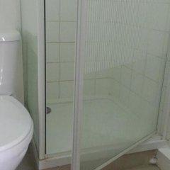 Отель Riz Guest House Лондон ванная