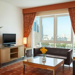 Отель Four Points by Sheraton Downtown Dubai Дубай комната для гостей фото 2
