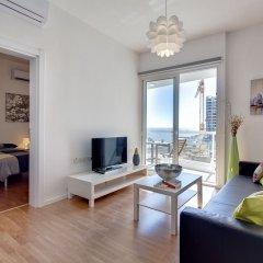 Отель Modern 2 Bedroom Seaview Apartment Мальта, Слима - отзывы, цены и фото номеров - забронировать отель Modern 2 Bedroom Seaview Apartment онлайн комната для гостей фото 3