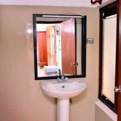 Отель Lucas Memorial Шри-Ланка, Косгода - отзывы, цены и фото номеров - забронировать отель Lucas Memorial онлайн ванная