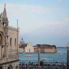 Отель Bellevue & Canaletto Suites Италия, Венеция - отзывы, цены и фото номеров - забронировать отель Bellevue & Canaletto Suites онлайн пляж