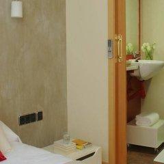 Апартаменты AinB Born-Tiradors Apartments Барселона сейф в номере