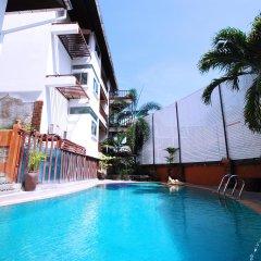 Отель The Album Loft at Phuket бассейн