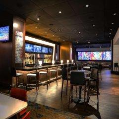 Отель Hilton Columbus Downtown США, Колумбус - отзывы, цены и фото номеров - забронировать отель Hilton Columbus Downtown онлайн гостиничный бар